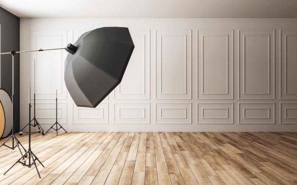 Raum mit Tageslicht und Fotoausstattung für gute Aufnahmen