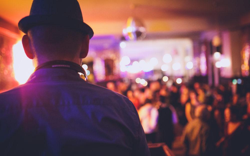 DJ Bensh vor Publikum