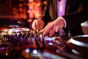 DJ Bensh an den Turntables