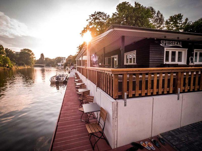Restaurant und Eventlocation im Grünen am Wasser