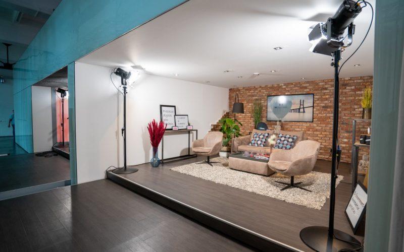 Filmstudio im Wohnzimmerstil