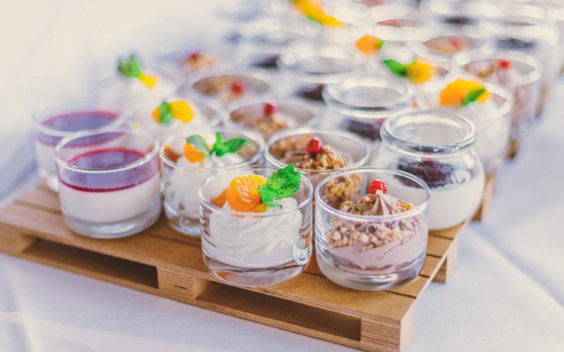 Dessert Gläser weiße Schokomousse Panna Cotta Mousse au chocolat